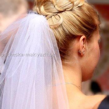 """Свадебная прическа с фатой """"Высокая бабетта"""""""
